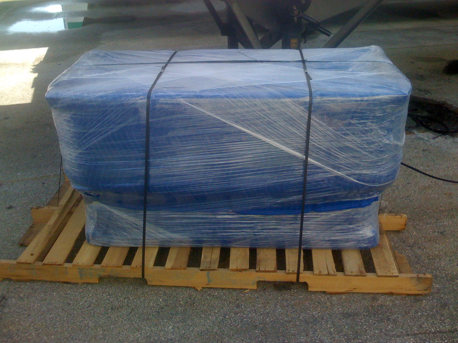 Shrink Wrapping Palletizing | Pallet Furniture | Pallet Boxes | Palletizers