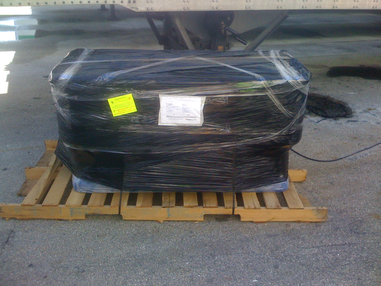 Shrink Wrapping Palletizing   Pallet Furniture   Pallet Boxes   Palletizers