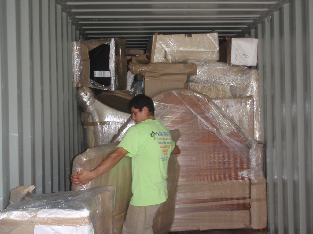 Packing and Loading international container by flat rate quotes nationwide services