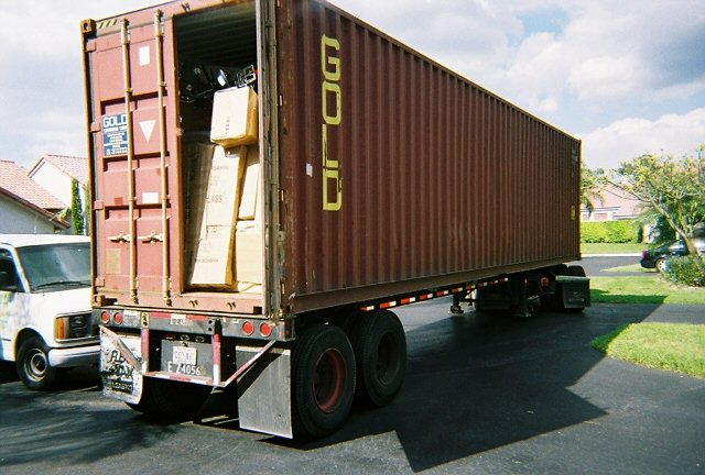 Packing Service Inc loading 40 foot international container