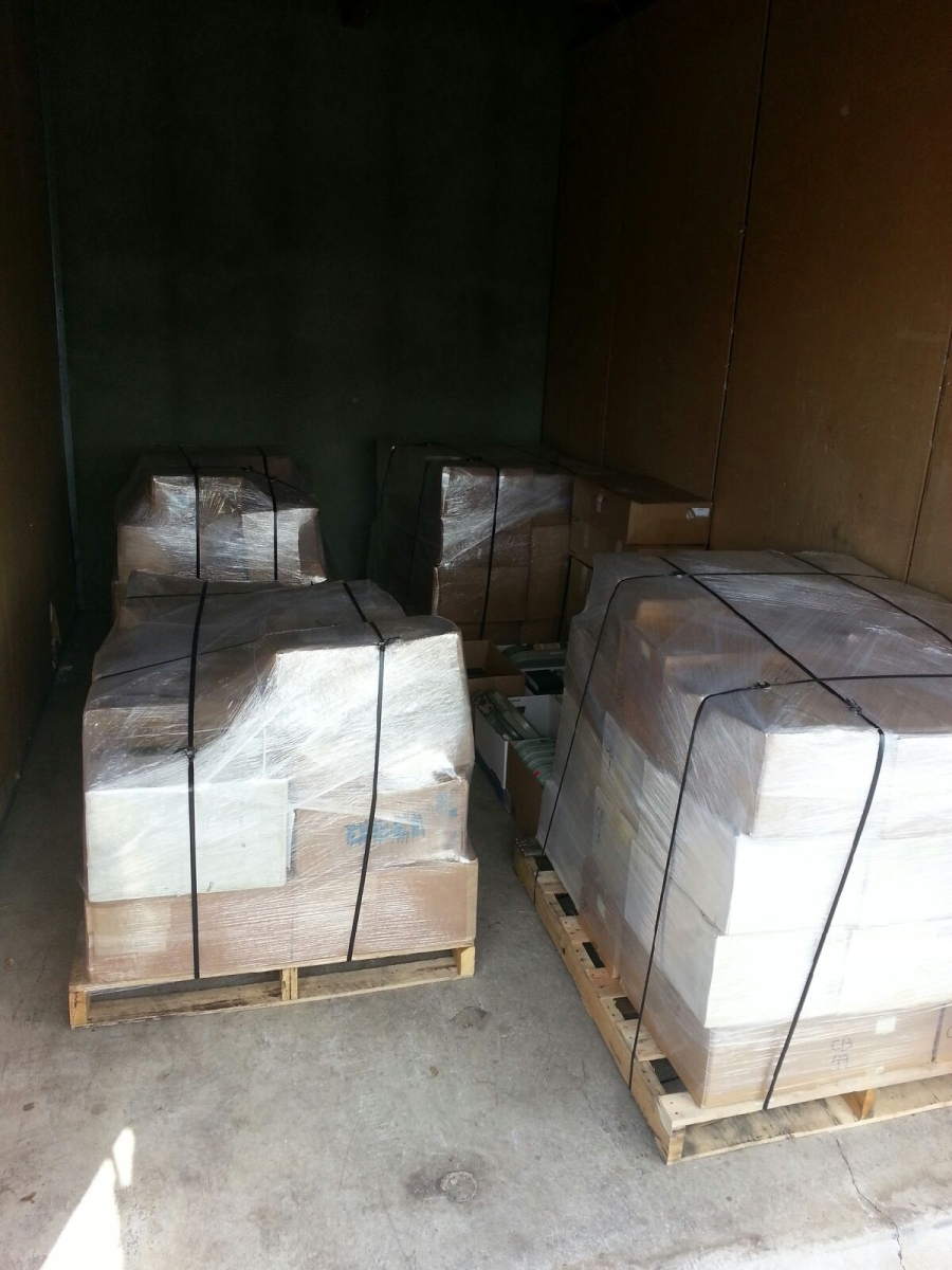 We are Professional Palletizers Packing Service Inc. palletize boxes palletize furniture shirnk wrapping palletizing 3