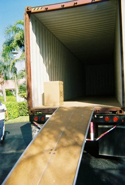Packing Service Inc loading 40 foot international container 1