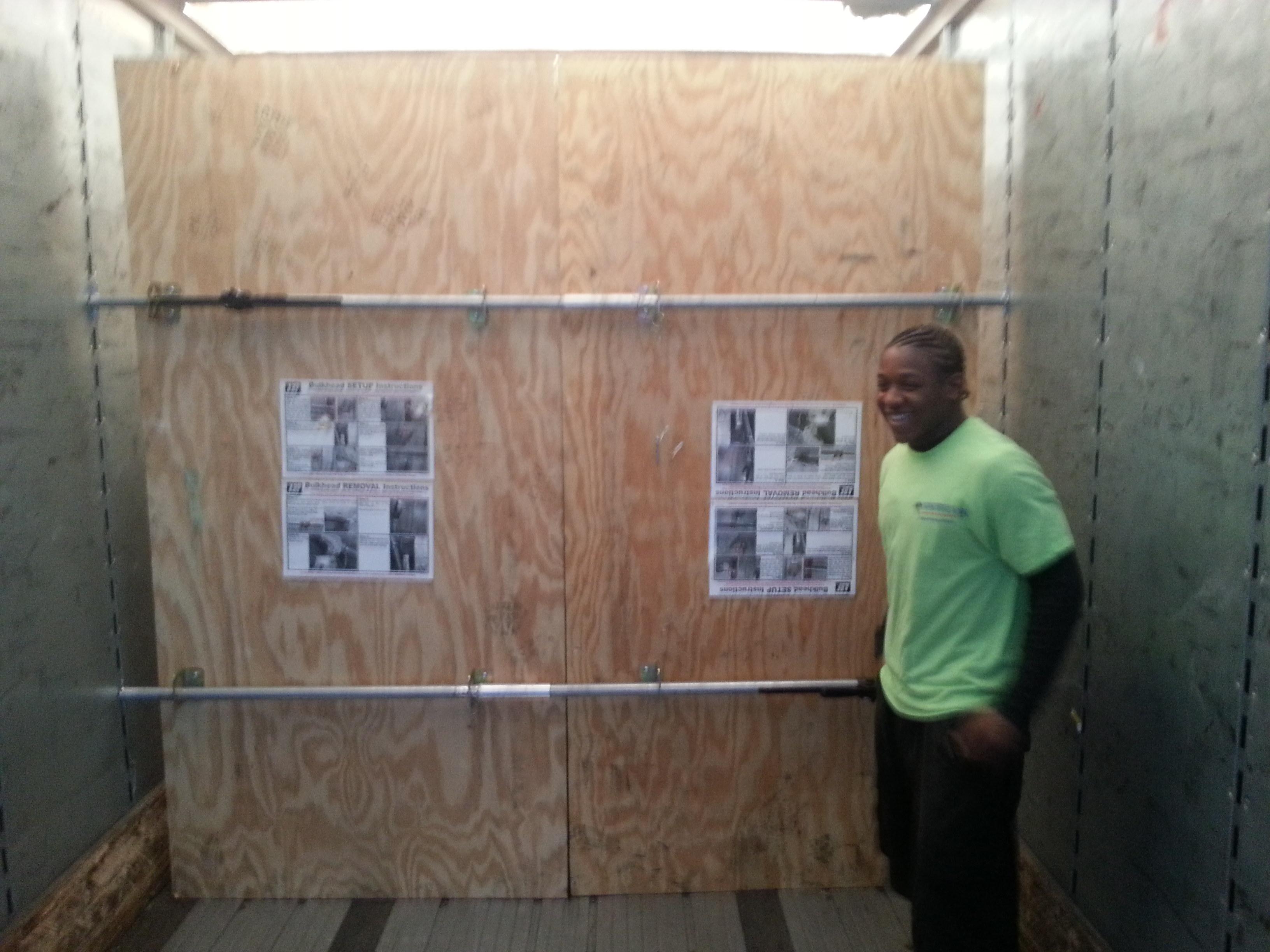 Professional Loading 40 foot trailer
