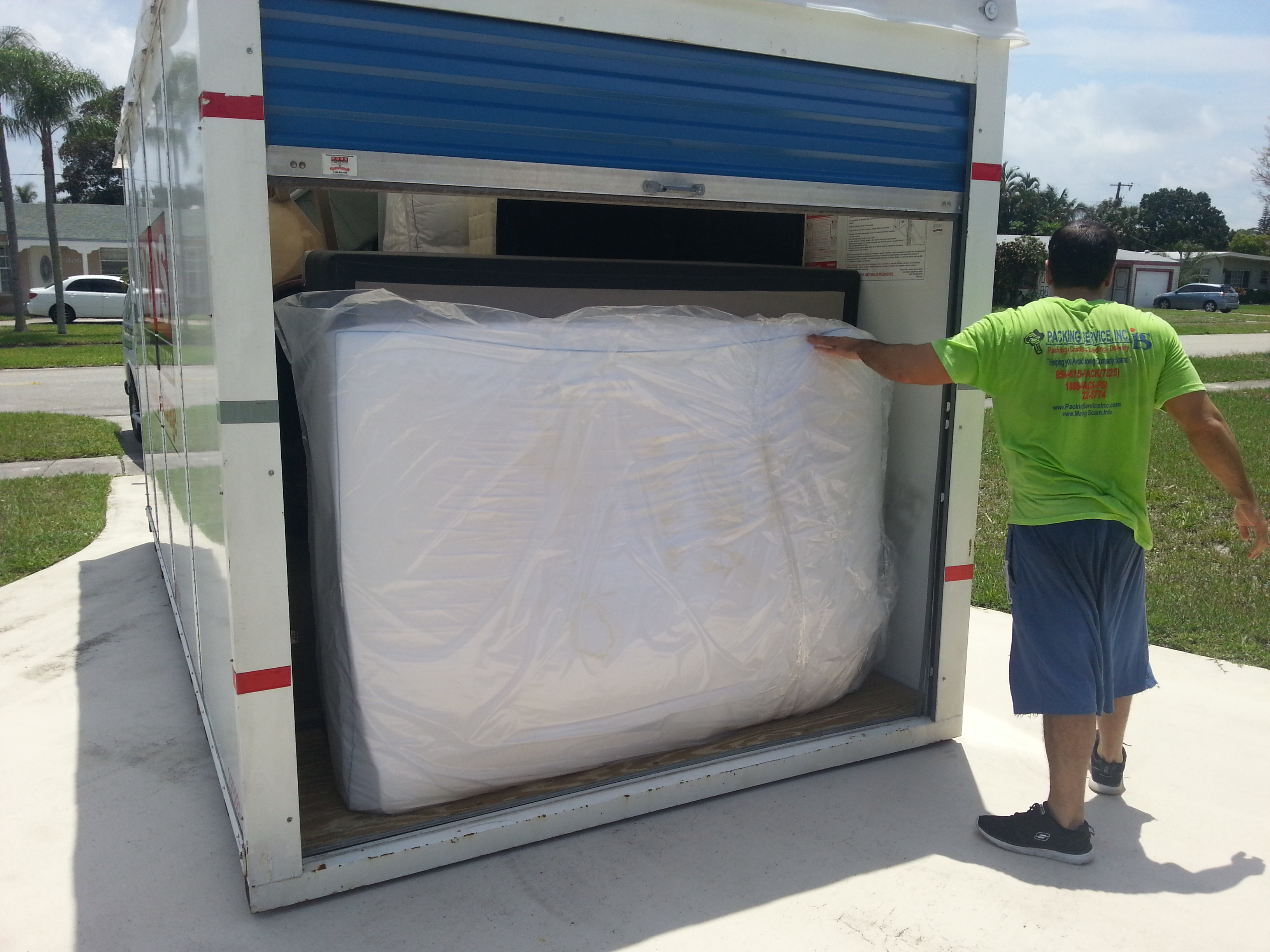PSI will happily load and unload your PODs Container, International Container, Trailer, and/or Rental Truck as we are a One Stop Shop!
